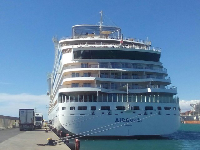 aida stella celebrity constellation le lyrial  sovereign  10